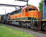 HLCX 7906, CSX 8663 on Q410.